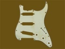 Hosco MRCST63MI3P MasterRelic Pickguard für Strat, Mint Ivory 1-ply, made in Japan