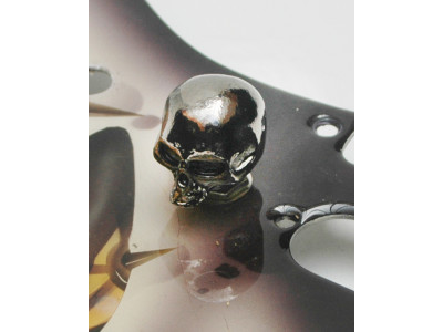 Qparts Potiknopf Skull 1, black chrome, face straight